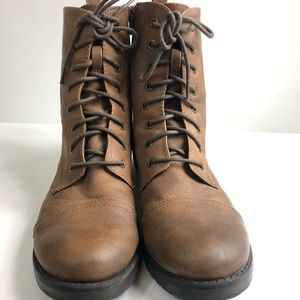 Mossimo brown boots